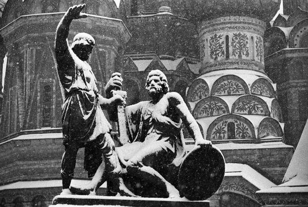 Pomnik Minina i Pożarskiego na Placu Czerwonym - Sputnik Polska
