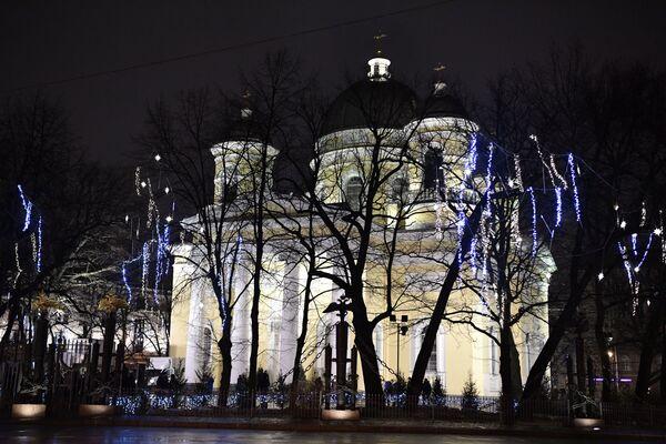 Sobór Przemienienia Pańskiego w Petersburgu w przededniu świąt Bożego Narodzenia w Petersburgu - Sputnik Polska