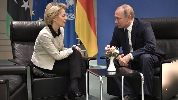 Ursula von der Leyen i Władimir Putin - Sputnik Polska