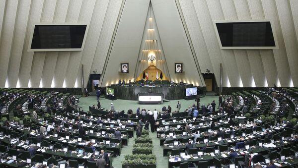 Otwarta sesja irańskiego parlamentu w Teheranie - Sputnik Polska