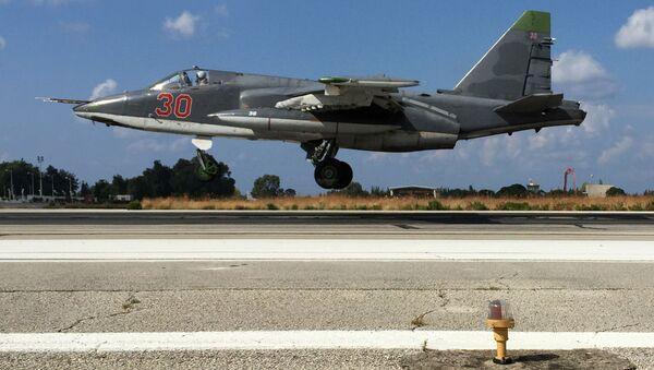 Rosyjski samolot Su-25 w bazie lotniczej w Syrii - Sputnik Polska