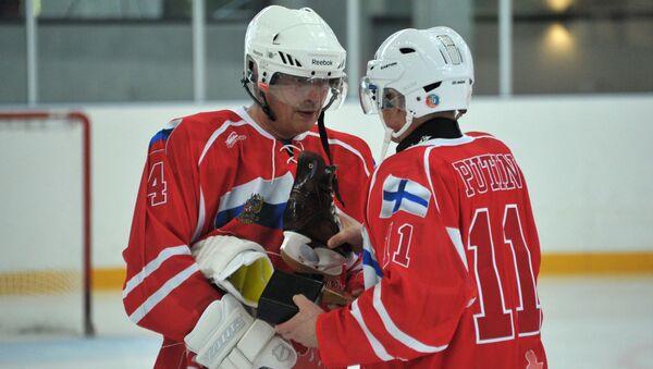 Putin w swoje urodziny zagrał w hokeja - Sputnik Polska