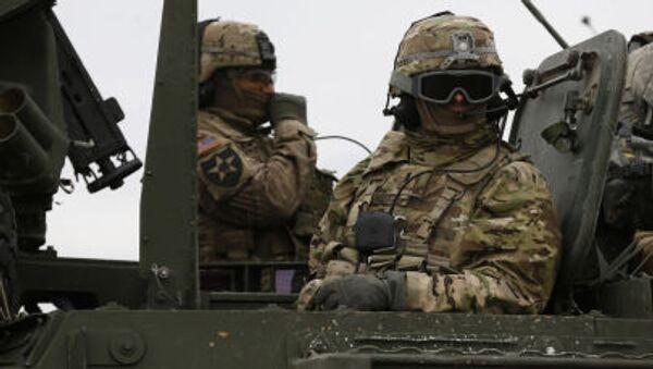 Amerykańscy żołnierze podczas szkoleń wojskowych w Europie - Sputnik Polska