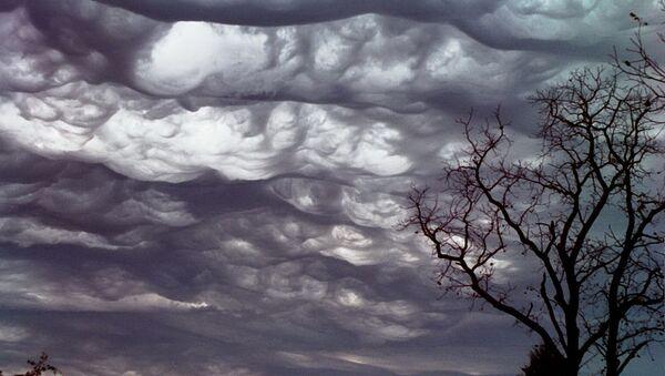 Chmury asperitas nad stanem Missouri, USA - Sputnik Polska