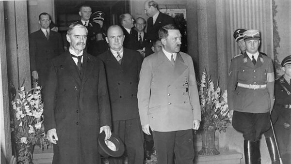 Chamberlain i Hitler  na spotkaniu w Bad Godesberg 23 września1938 roku - Sputnik Polska