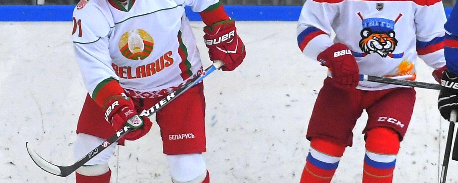 Władimir Putin i Aleksandr Łukaszenka grają w hokeja w Soczi - Sputnik Polska, 1920, 01.10.2021