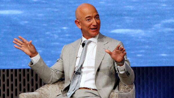 Szef Amazona Jeff Bezos  - Sputnik Polska
