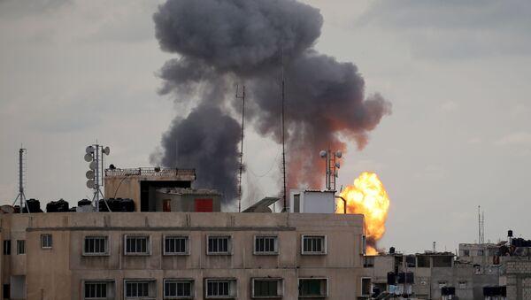 Izraelska armia zaatakowała obiekty palestyńskiej organizacji Islamski Dżihad w Strefie Gazy. - Sputnik Polska