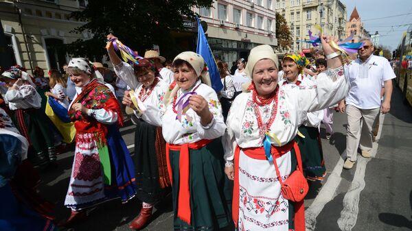 Parada wyszywanek w Kijowie. Dzień Niepodległości w Kijowie  - Sputnik Polska