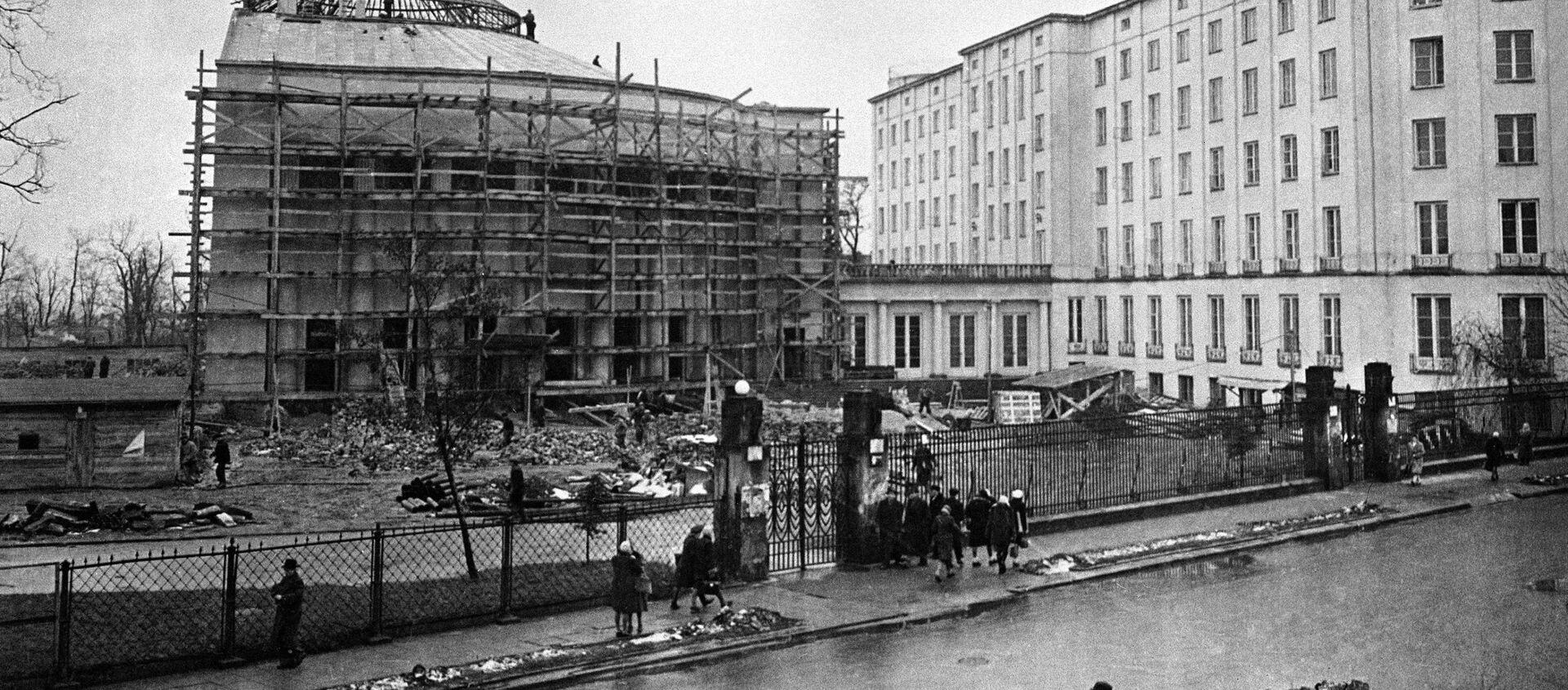 Odbudowa Warszawy po wojnie - Sputnik Polska, 1920, 01.03.2021