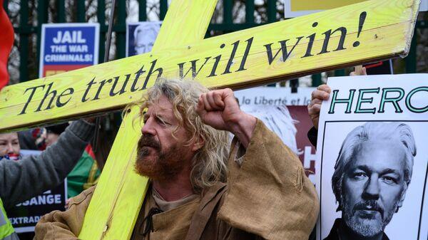 Akcja wspierająca Assange'a w Londynie - Sputnik Polska