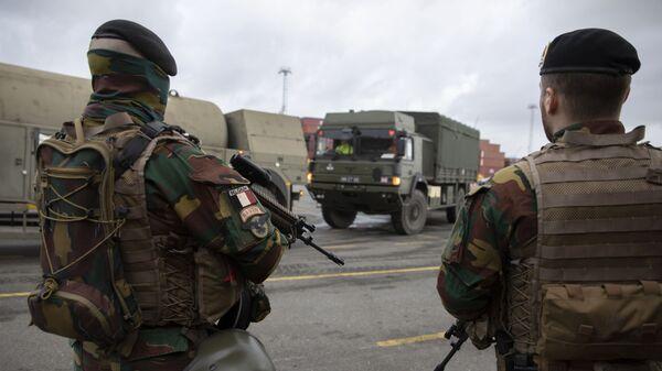 Belgijscy żołnierze w porcie w Antwerpii w ramach przygotowań do ćwiczen Defender Europe 2020, Belgia - Sputnik Polska