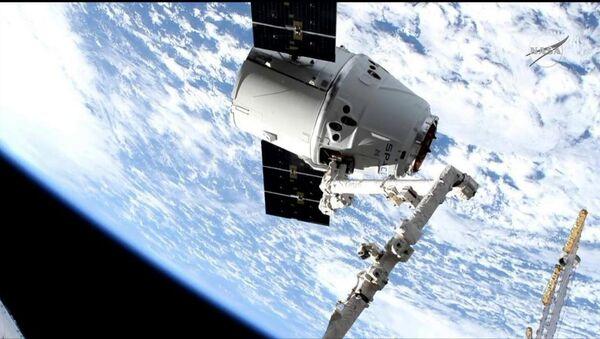 Towarowy statek kosmiczny Dragon firmy SpaceX  - Sputnik Polska