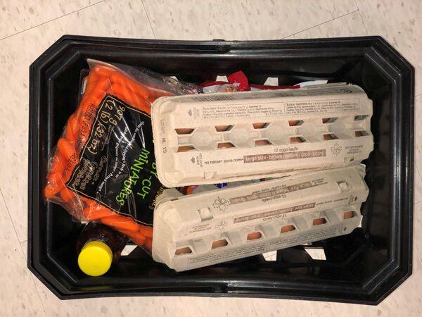 Koszyk na zakupy w supermarkecie w Vancouver  - Sputnik Polska