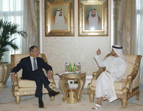 Siergiej Ławrow i minister spraw zagranicznych ZEA Abdullah bin Zayed Al Nahyan - Sputnik Polska