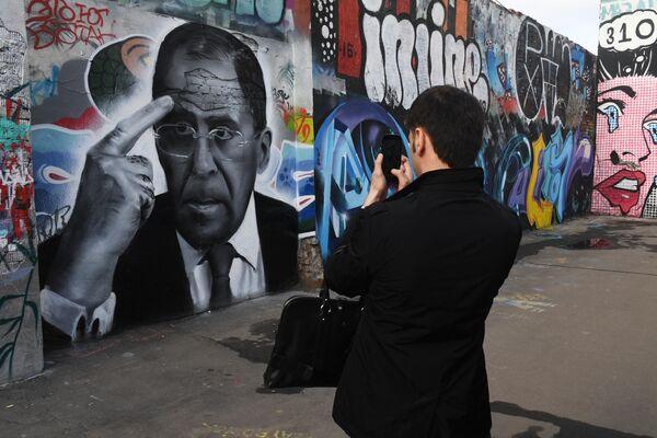 Graffiti z portretem ministra Siergieja Ławrowa w Moskwie - Sputnik Polska