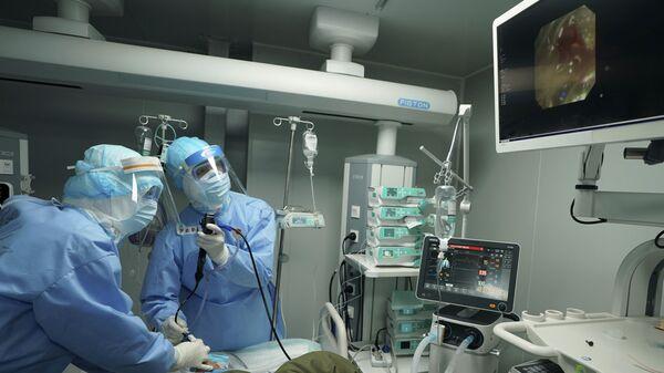Epidemia koronawirusa w Chinach - Sputnik Polska