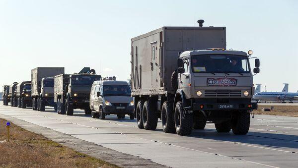 Kolumna z rosyjskim sprzętem, wysyłanym do Włoch do walki z koronawirusem - Sputnik Polska