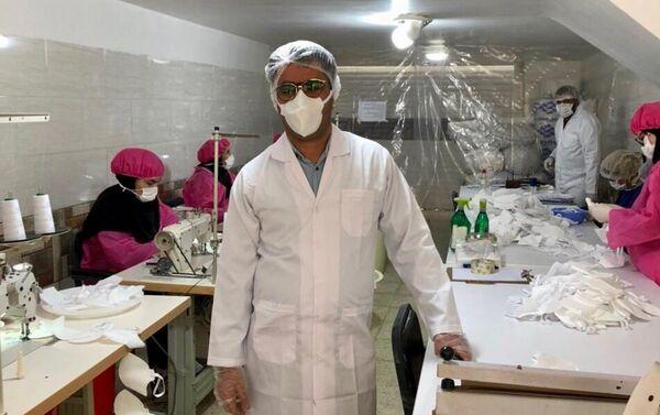 Produkcja masek ochronnych na twarz, Iran - Sputnik Polska