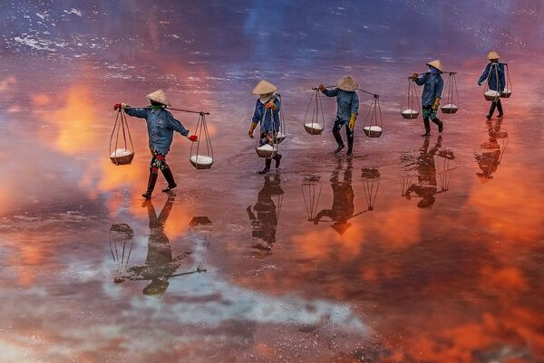 """Sunset on the salt field of Ninh Diem Khanh Hoa Vietnam"", Wietnam - Sputnik Polska"