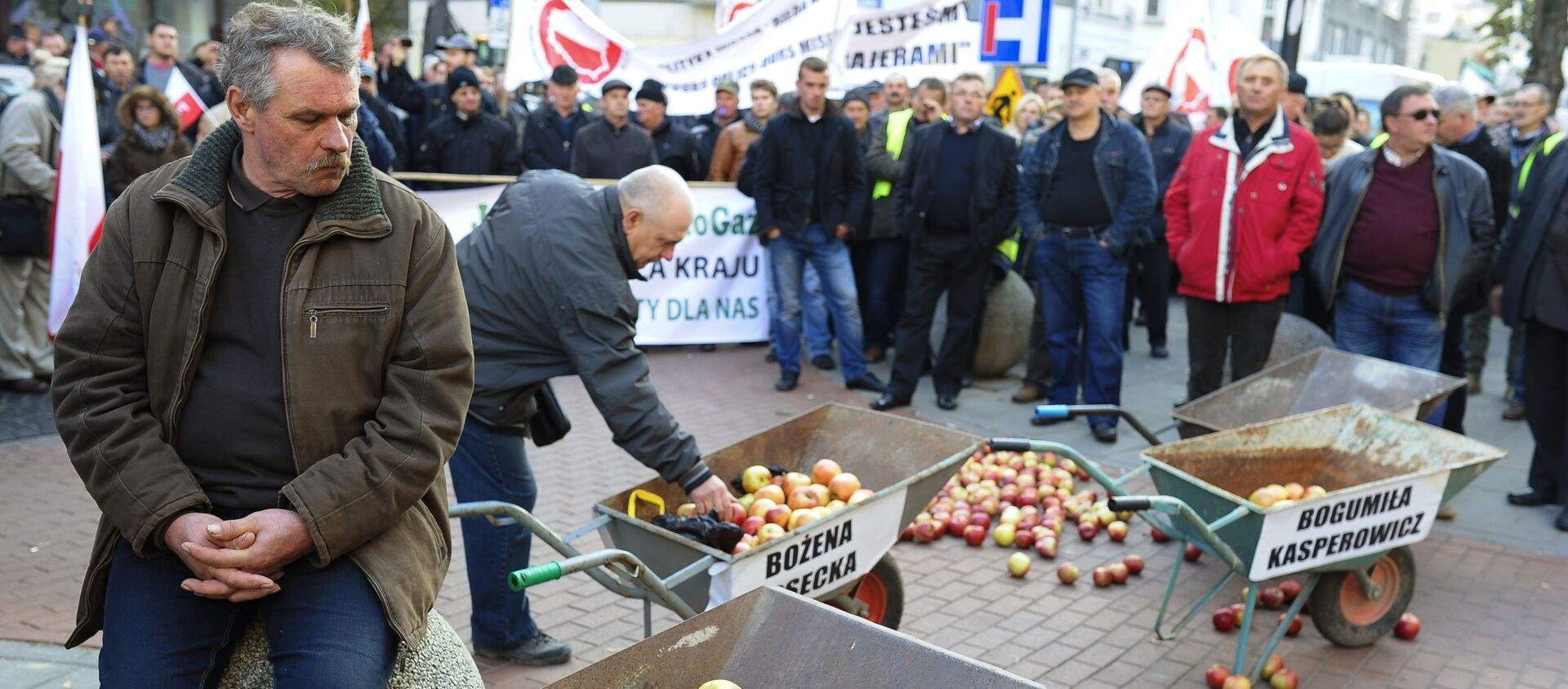 Protest polskich rolników przeciwko sankcjom wobec Rosji - Sputnik Polska, 1920, 07.04.2020