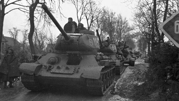 Radziecki czołg wjeżdża do Königsbergu - Sputnik Polska
