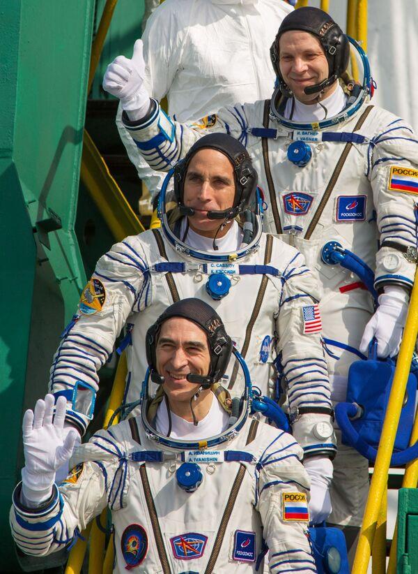 Członkowie załogi MSK-63 - Sputnik Polska