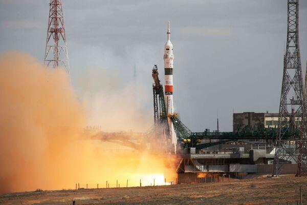 Start rakiety Sojuz-2.1a z kosmodromu Bajkonur - Sputnik Polska