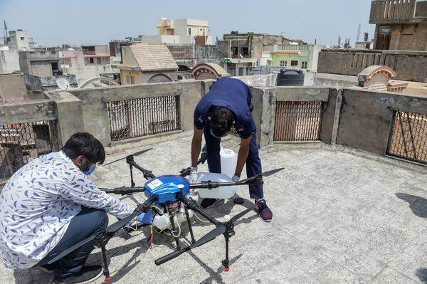 Przygotowanie do testów drona w Ahmedabadzie w Indiach - Sputnik Polska