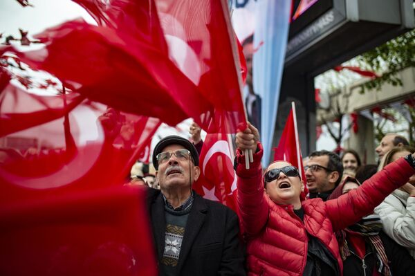 Protestujący w Stambule, Turcja - Sputnik Polska