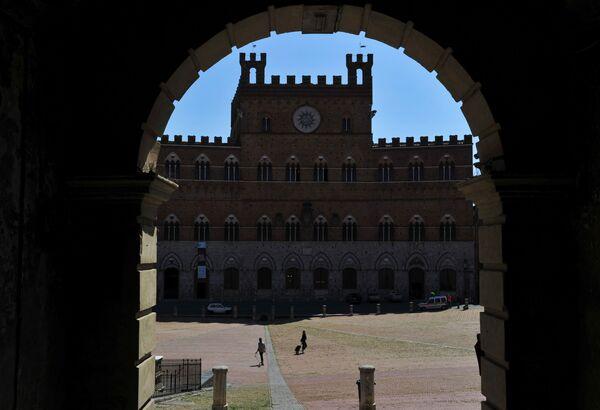 Plac Piazza del Campo w toskańskim mieście Siena - Sputnik Polska