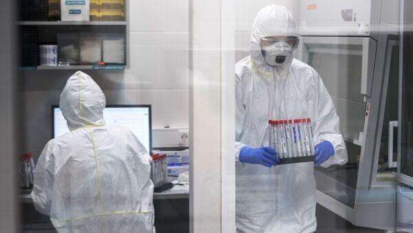 Praca w laboratorium - Sputnik Polska