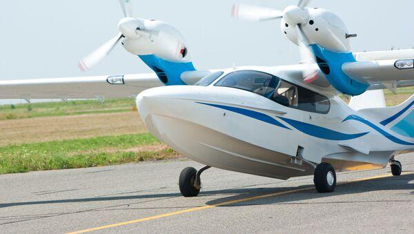 Wielofunkcyjny mały samolot amfibia Ł-42 - Sputnik Polska