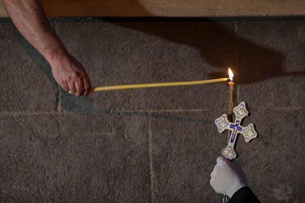 Przygotowanie do mszy wielkanocnej w Rumunii - Sputnik Polska