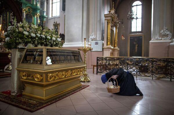 Wierna w cerkwi w Wilno - Sputnik Polska