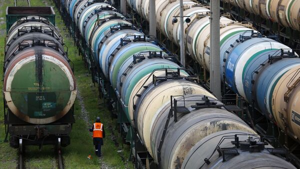 Cysterny kolejowe do przewozu ropy naftowej  - Sputnik Polska