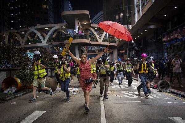 """Reportaż Hong Kong Unrest, fot. Nicolas Asfouri, 1. miejsce w kat. """"Wiadomości ogólne"""" - Sputnik Polska"""