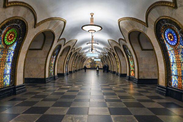 """Stacja """"Nowosłobodskaja"""" moskiewskiego metra - Sputnik Polska"""