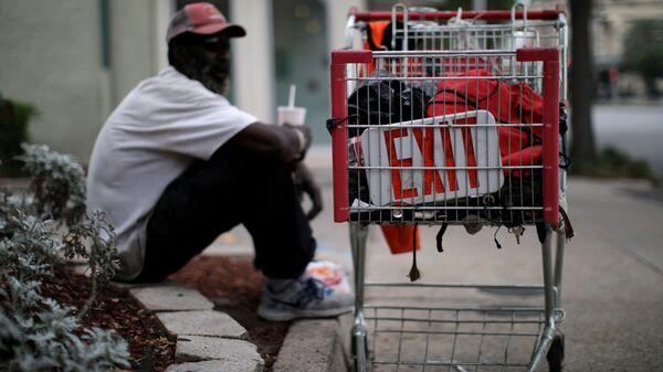 Bezdomny mężczyzna. Nowy Orlean, USA. - Sputnik Polska