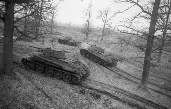 Radzieckie czołgi T-34 - Sputnik Polska