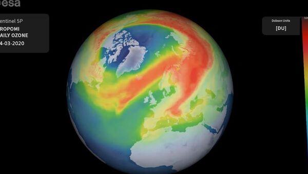 Dziura ozonowa nad Arktyką - Sputnik Polska