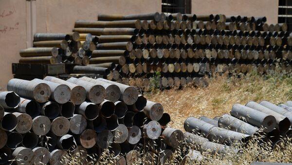 Stare pociski do przetworzenia w fabryce amunicji w mieście Sefira w syryjskiej prowincji Aleppo - Sputnik Polska