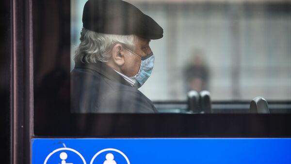 Pasażer w autobusie - Sputnik Polska
