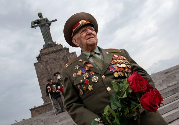 Weteran Wielkiej Wojny Ojczyźnianej w Erewanie - Sputnik Polska