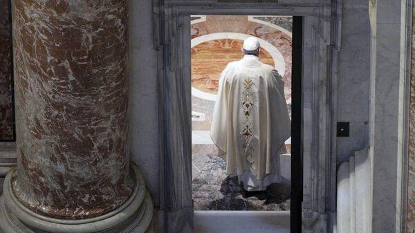 Papież Franciszek w Bazylice św. Piotra w Watykanie - Sputnik Polska