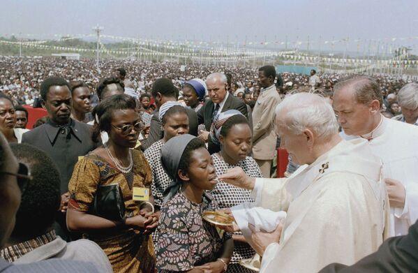 Papież Jan Paweł II w Zairze, 1985 rok - Sputnik Polska