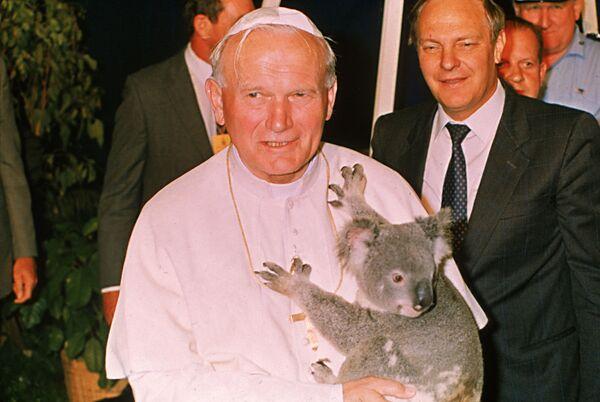 Papież z koalą na rękach, Australia, 1986 rok - Sputnik Polska