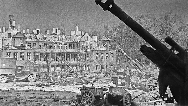 Zniszczone domy w Koenigsbergu w 1945 roku - Sputnik Polska