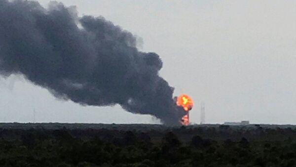 Wybuch rakiety Falcon 9 podczas testów - Sputnik Polska