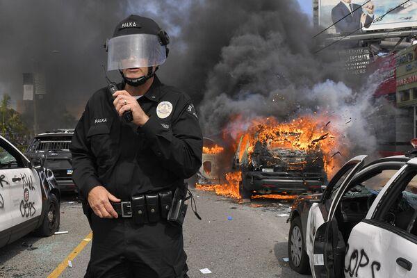 Protesty w Los Angeles  - Sputnik Polska